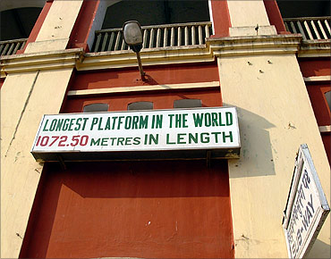 Kharagpur railway platform has a world record.