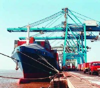 Self-assessment in Customs for cargo worries traders