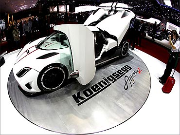 Koenigsegg manufactures its own engines.