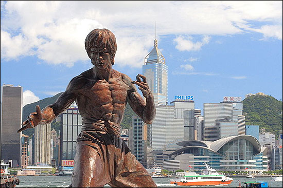 A statue of Bruce Lee on the Avenue of Stars, a tribute to the city's martial arts.