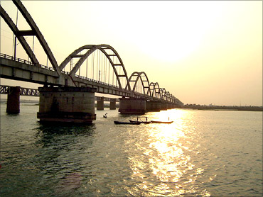 Godavari Arch Bridge.