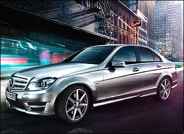 Side-view of the new C-Class.