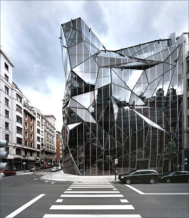 Basque Health Department Building.
