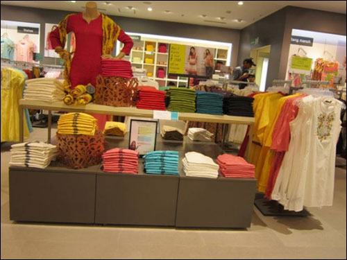 Birla sees future in Biyani's fashion biz