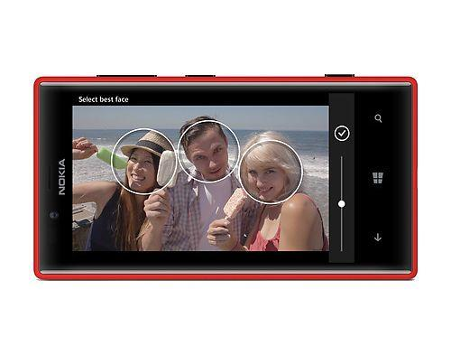 Nokia 720 hits retail stores; costs Rs 18,999