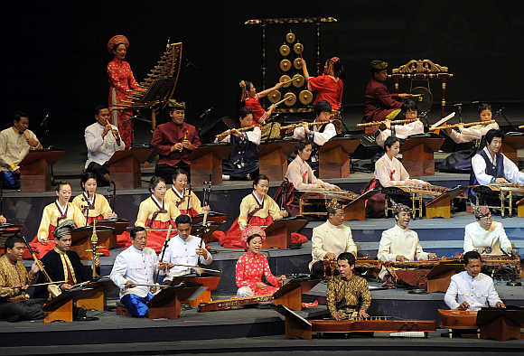 Asean-Korea traditional music orchestra perform on the southern island of Jeju.