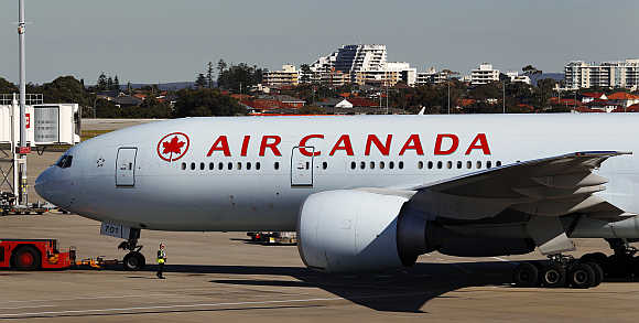 Air Canada's Boeing 777 taxis at Sydney airport.