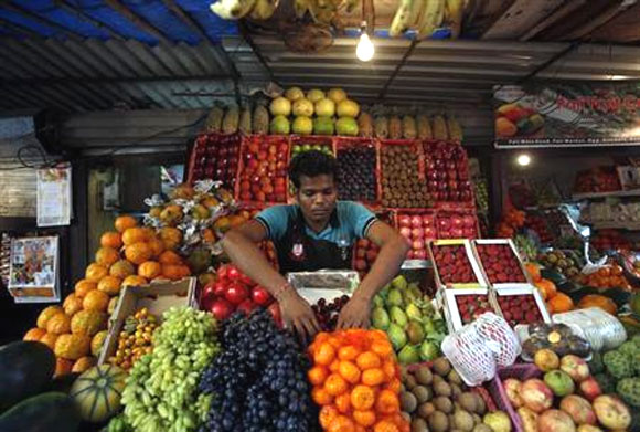 Inflation limiting RBI's ability to boost growth, says Rajan