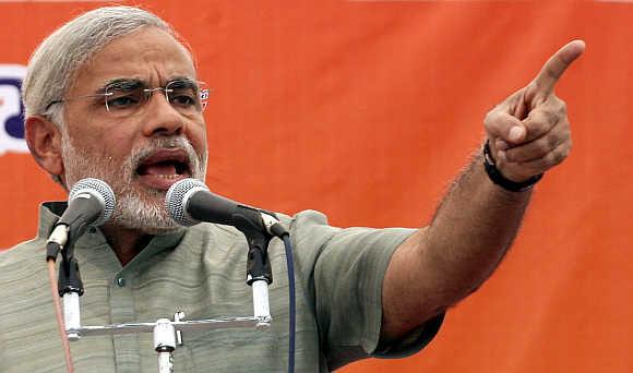 Vasundhara will take back land from Vadra: Modi