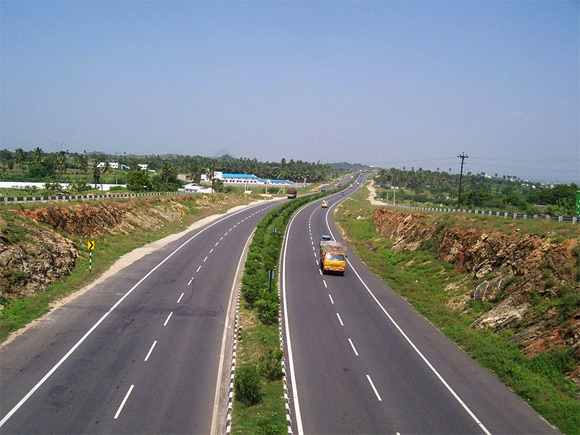 A view of the Salem-Coimbatore Highway from Chittode.