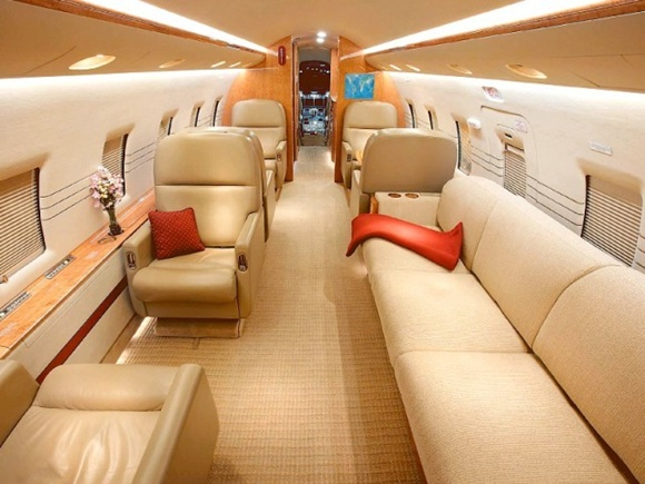 Interior of the Bombardier Challenger 604.