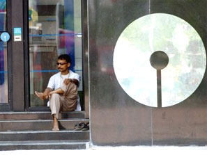 SBI to turn aggressive against defaulting firms. Photograph: Reuters