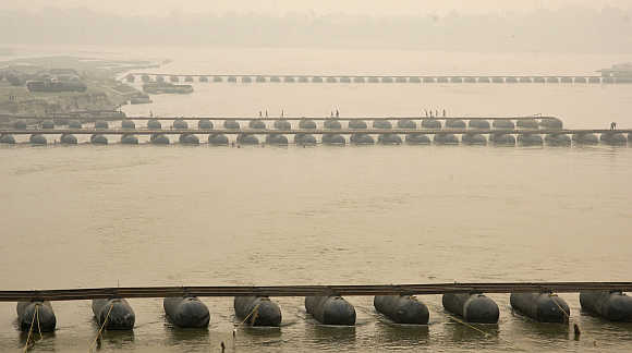 Under-constructed pontoon bridge spanning the river Ganga in Allahabad.