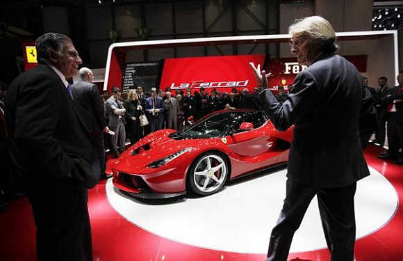 Geneva Auto Show: Of stunning cars and hot women