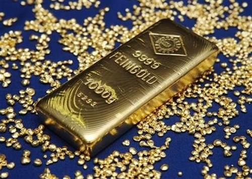 Bhalla feels that RBI should not form its monetary policy based on rising gold imports.