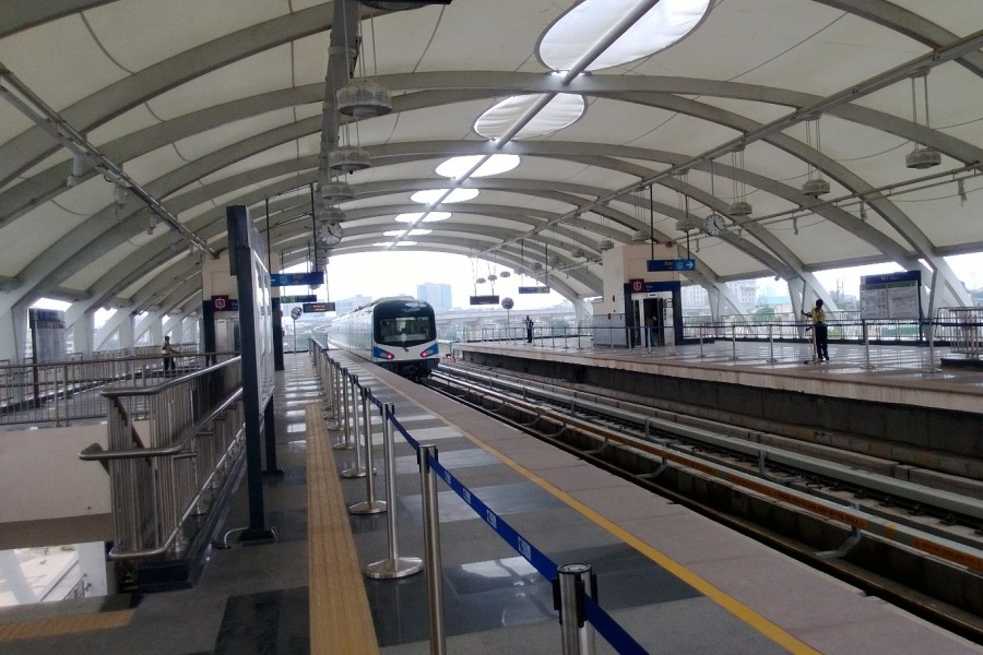 Gurgaon Rapid Metro Turns Out To Be A Flop Rediff Com