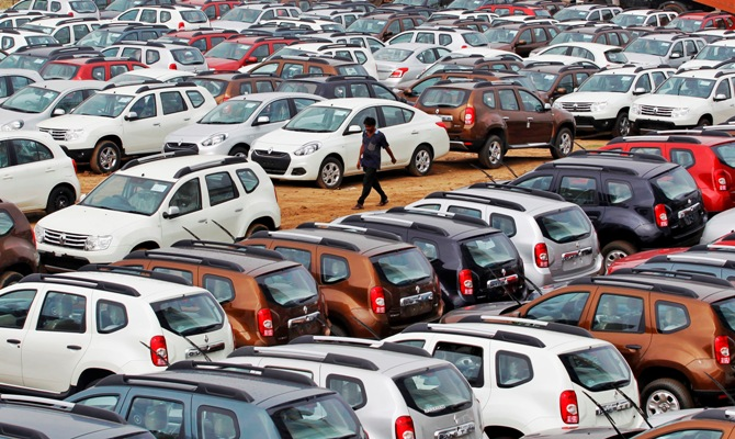 Competition panel slaps Rs 2,545 cr fine on top carmakers