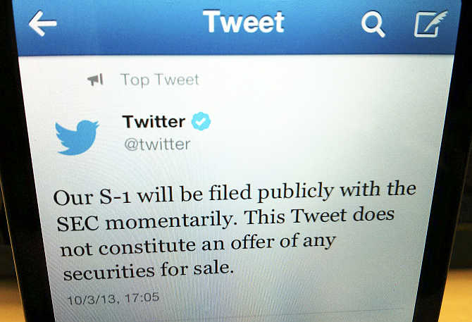 A tweet announcing Twitter's IPO filing.