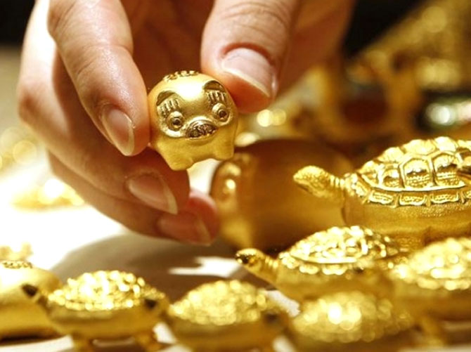 Not much of a festival season for Indians as gold runs dry