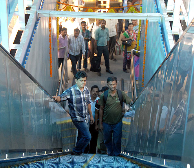 Mumbai's Dadar station now boasts of an escalator