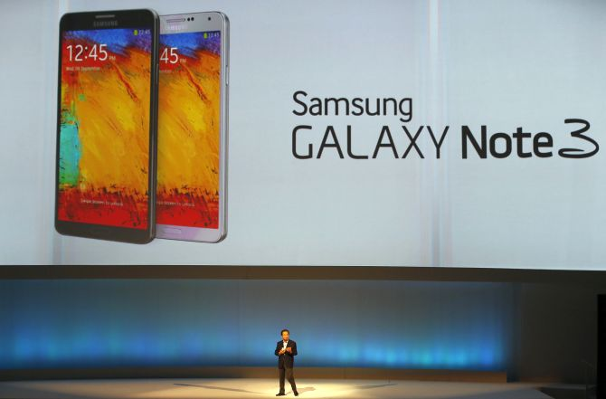 Shin Jong-kyun, President and CEO, head of IT and Mobile Communication division of Samsung presents the Samsung Galaxy Note 3 during its launch at the 'Samsung UNPACKED 2013 Episode 2' at the IFA consumer electronics fair in Berlin.