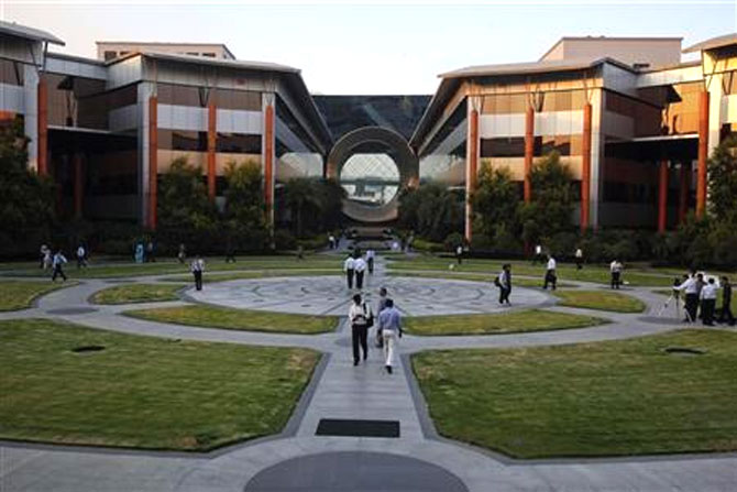 'Infosys indulged in blatant violation of visa laws'
