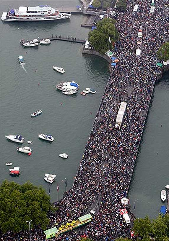 An aerial view of Quai bridge over Lake Zurich during the 18th Street Parade in Zurich.