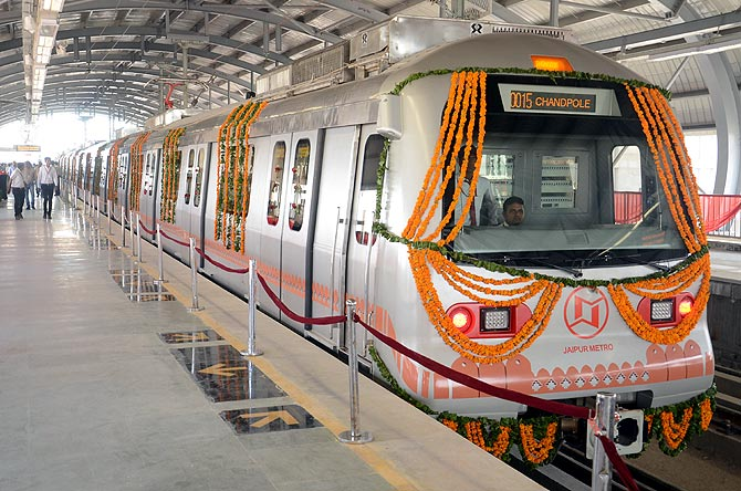 The stunning Jaipur Metro comes to life