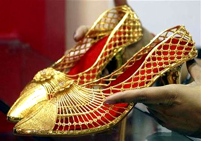 The price of gold has come down to under Rs 29,000 per 10 grams, compared with Rs 31,000 a fortnight ago.