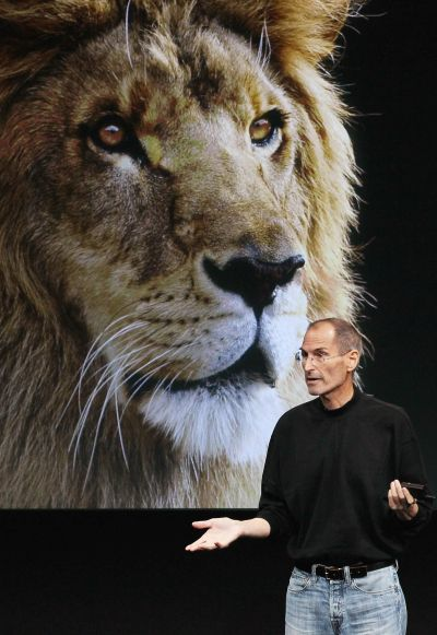 Steve Jobs announcing the new OSX Lion operating system.