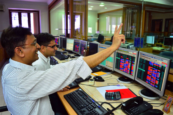 66 stocks hit 52-week highs on BSE