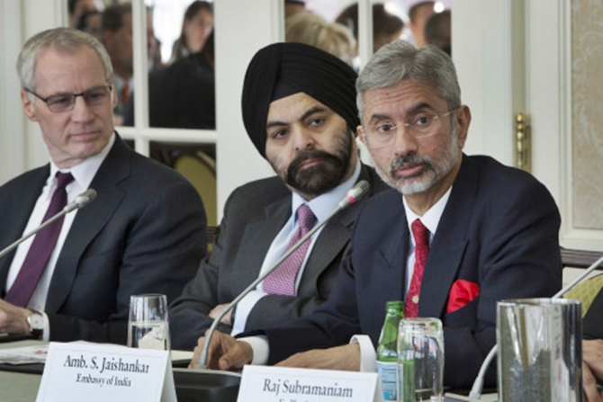 (L to R) Ron Somers, President, USIBC; Ajay Banga, USIBC Chairman and President & CEO, MasterCard; Dr S Jaishankar, Ambassador of India to the United States.
