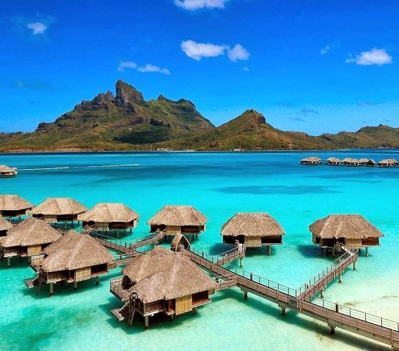 Four Seasons Resort Bora-Bora.
