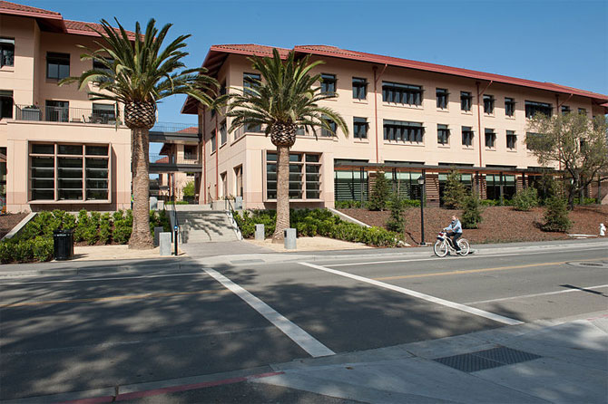 Knight Management Center, Stanford School of Business.