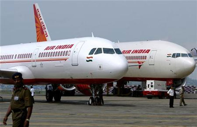 Air India suspended the air hostess who opted for Dubai while the scheduled flight to Australia was waiting.