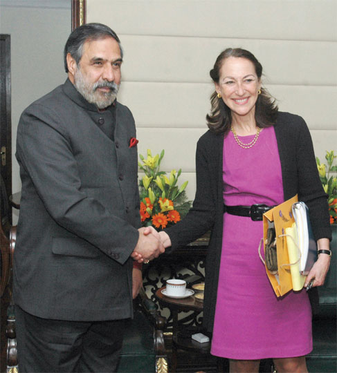 FDA Commissioner Margaret Hamburg meets Union Minister for Commerce and Industry Anand Sharma in New Delhi, February 10.