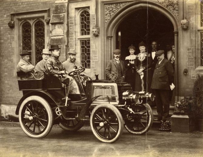 Photograph of the Hon. C.S. Rolls' autocar with HRH The Duke of York, Lord Llangattock [Rolls' father], Sir Charles Cust and the Hon. C.S. Rolls as occupants.
