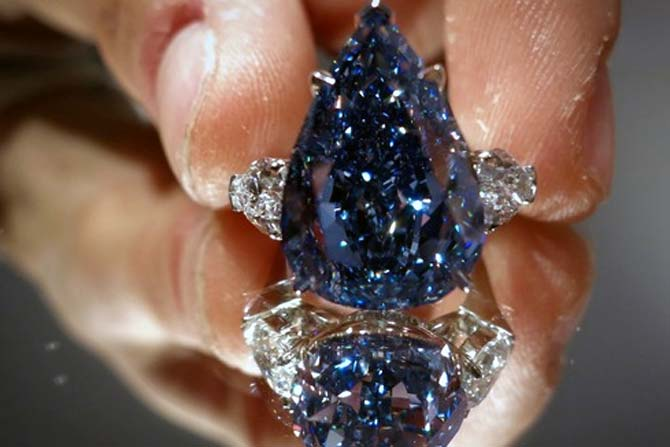 World's largest flawless blue diamond sold at $23.8 mn!
