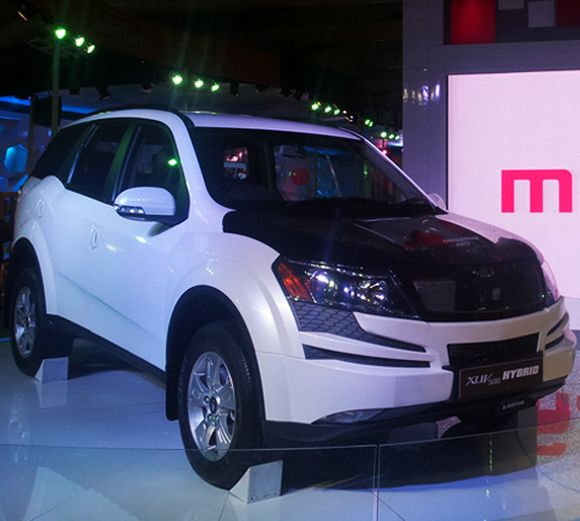 Mahindra to launch this gorgeous XUV500 Hybrid next year