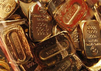 Customers hope for windfall, put off selling old gold