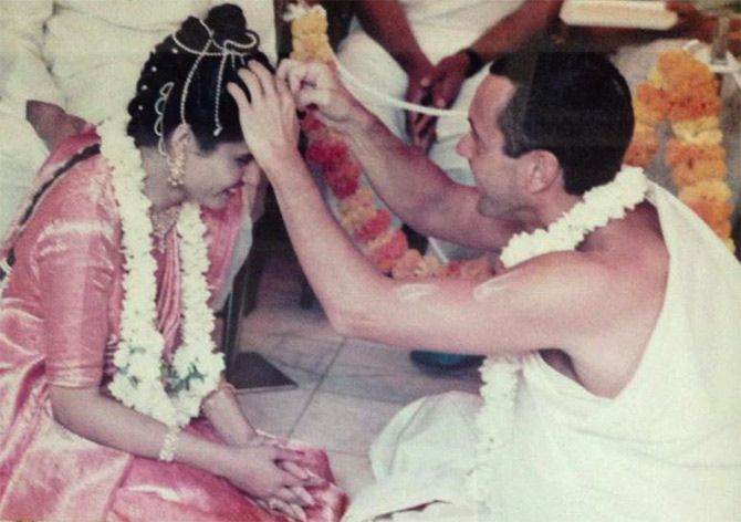 Ambarish Das weds Sharmila Bhattacharya in 1984 in India.