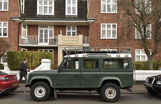 Last classic Land Rover Defender 4x4 rolls off production line