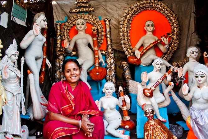 Arohan customer and idol maker Manju Devi, of Shibpur, West Bengal