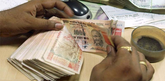 NRIs need to show old notes to Customs at airports