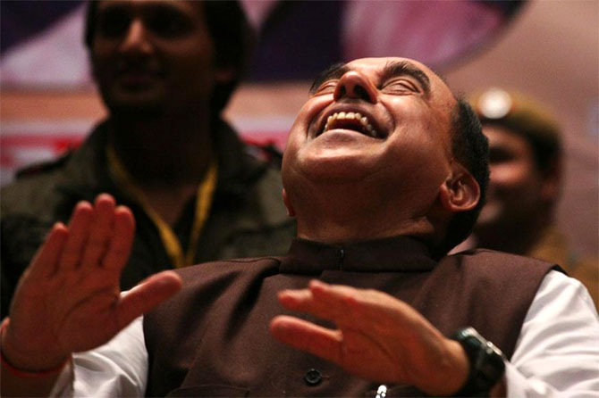 Swamy terms Rs 550-cr loan to GST arm as 'loot'