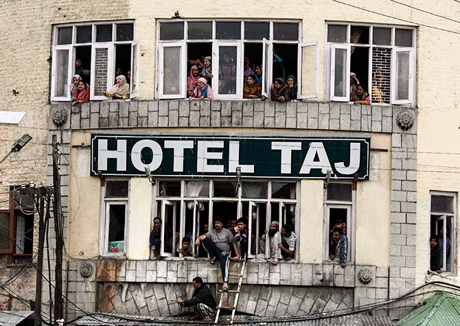 A Srinagar hotel in a state where tourist arrivals is down from 11 lakh in 2013 to a pitiful 4 lakhs in 2016, with 2017 looking perhaps worse. Photo: Adnan Abidi/Reuters