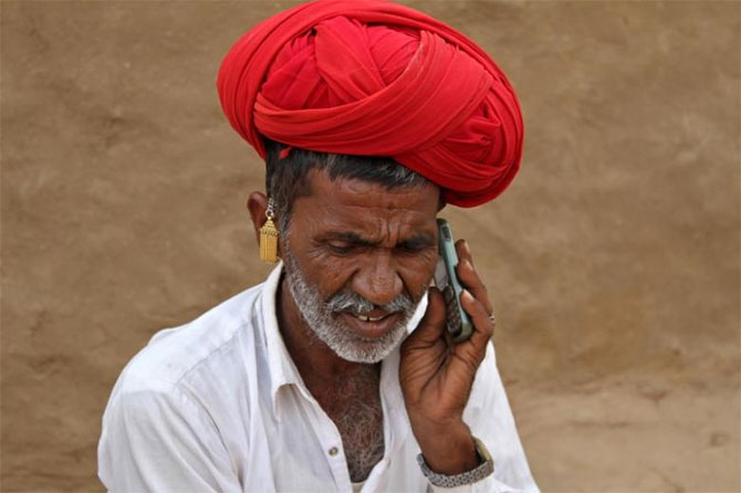 Govt gives Rs 42,000 crore relief to telcos