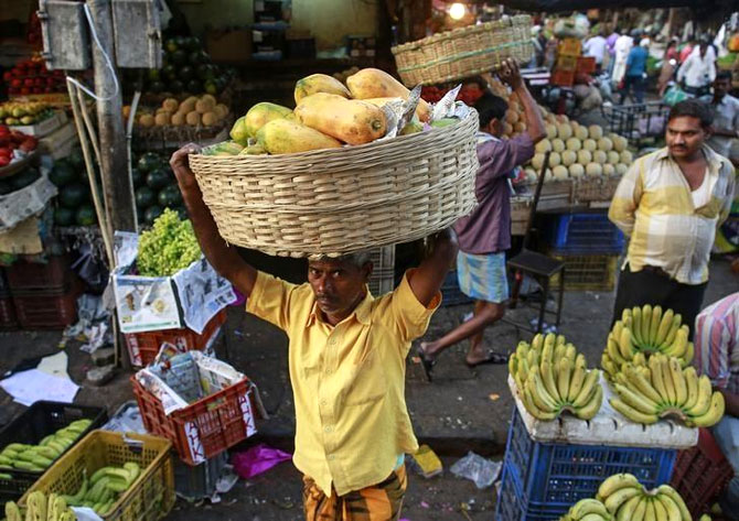 Inflation to be below 5% in FY17, trend to continue: Survey