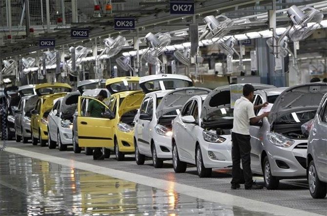 Carmakers drive home 9% growth