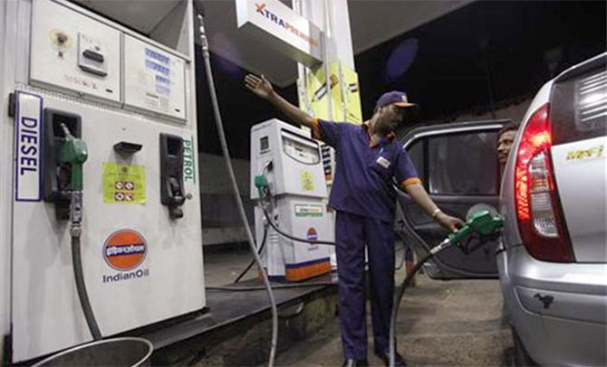 Coming soon near you: Privately-run petrol pumps!